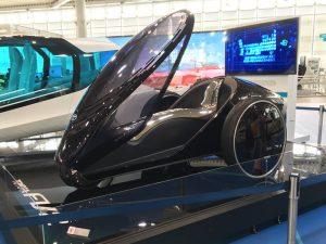 未来の車も展示
