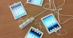 iPad充電中